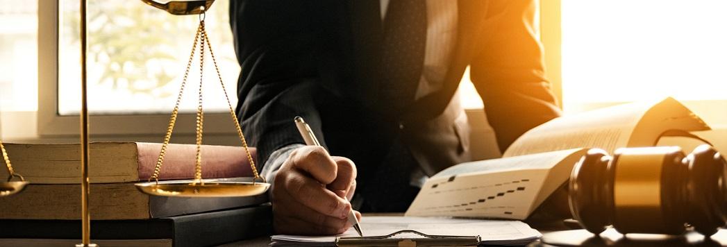 De vervaltermijnen van art. 7:686a lid 4 BW (ambtshalve) toepassen bij verweer?